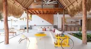 Kolacja, najlepiej własnoręcznie przyrządzona, i lampka wina albo drink z palemką w kuchni nad brzegiem oceanu? W tym domu to możliwe! Przedstawiamy plażowy bungalow - dla wszystkich marzących o lecie.