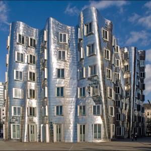 Proj. Frank O. Gehry Düsseldorf Medienhafen. Fot. Entertainmentmesh