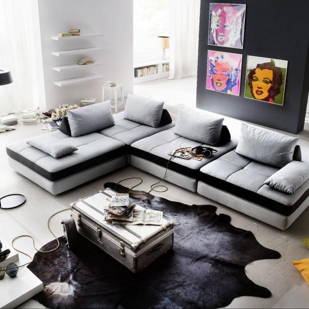Szara kanapa w pokoju: 20 najładniejszych aranżacji wnętrz