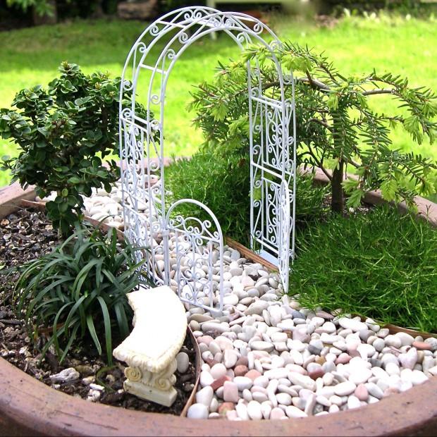 Ogród w miniaturze. Sztuka czy kicz?