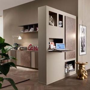 Mini biuro doskonale harmonizuje z aranżacją całego wnętrza. Fot. Mobil Gam.