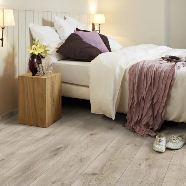 Panele laminowane - podłoga w sypialni