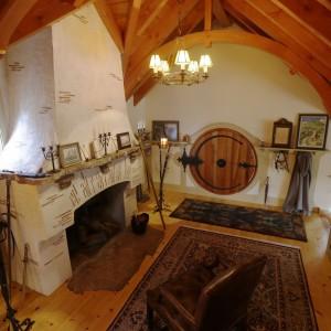 """Wnętrze domu stworzonego dla fana """"Hobbita"""" i """"Władcy Pierścieni"""" przez pracownię Archers&Buchanan. Fot. Archers&Buchanan."""
