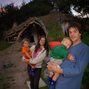 Rodzina projektanta i inwestora w jednej osobie. Fot. Beingsomewhere.