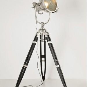 Lampa podłogowa Jumbo Spot jak z hollywoodzkiego filmu. Marka: Kare Design. Sprzedaż: Karestyle. Cena: ok. 9 tys. zł.