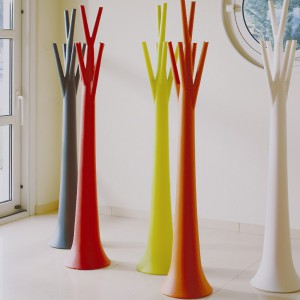 Tree Light - wieszak i lampa w jednym. Marka: Bonaldo. Sprzedaż: Akademia Architektury. Cena: ok. 2500 zł.