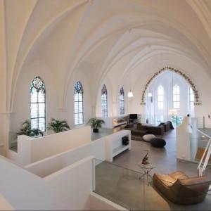 Za wszelką cenę chciano zachować pierwotny sakralny charakter wnętrza. Fot. Frank Hanswijk.