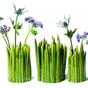 Wazon GRASS z ceramicznej kępy trawy. Fot. Normann Copenhagen.