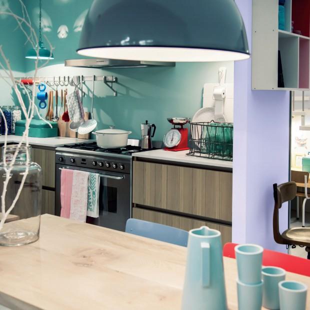 Ściany w kuchni. Pomaluj je specjalną farbą