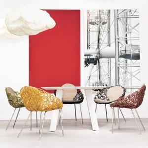 Krzesła z technorattanu. Kolekcja Noodle. Fot. Kenneth Cobonpue.