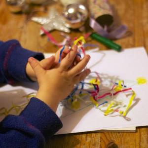 Zajęcia plastyczne zainteresują już najmłodsze maluchy. Fot. MERplus.