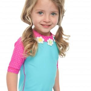Chyba żadna dziewczynka nie pogardzi możliwością  wystąpienia w domowym pokazie mody. Fot. Pumpkin Patch.