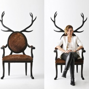 Krzesła Hybrid projektu tureckiej designerski Merve Kahraman powstały z fascynacji grecką mitologią i występującymi w niej półludźmi, półzwierzętami. Fot. Merve Kahraman.