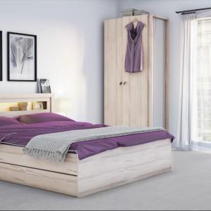 Łóżko z kolekcji R&O z możliwością dokupienia pojemnej szuflady. Fot.Meble Vox.
