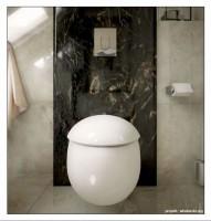 Łazienka z klasycznymi akcentami i kamieniem naturalnym.