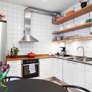 Kuchnia została zaprojektowana w typowo skandynawskim stylu. Fot. Stadshem.