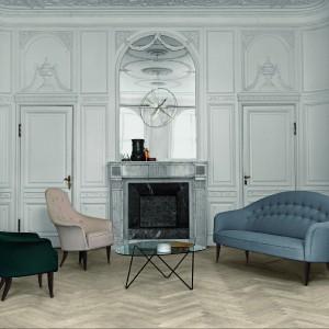 Stylowe fotele z najnowszej kolekcji marki Gubi. Fot. Gubi/Square Space.