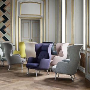 Inspirowany klasyką fotel Ro marki Fritz  Hansen. Fot. Fritz Hansen/Square Space.