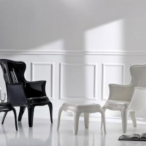 Poliwęglanowy fotel Pasha od marki Pedrali. Dostępny w czterech kolorach- transparentnym, przydymionym, czarnym i białym. Fot. Pedrali/Atak Design.