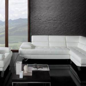 Kolekcja mebli wypoczynkowych Malachit marki Bydgoskie Meble,  w tym nowoczesny biały fotel. Fot. Bydgoskie Meble.