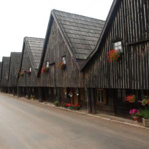 Domy tkaczy w Chełmsku Śląskim. Fot. Travelin