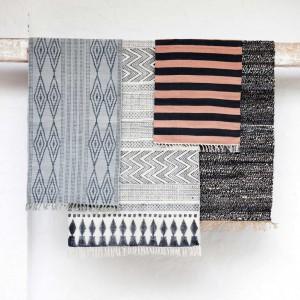 Bawełniane dywaniki w skandynawskim stylu. Fot.House doctor.