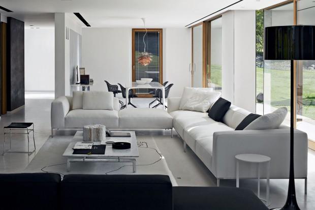 Biała sofa. 20 propozycji do pokoju dziennego