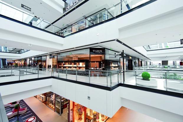 Kielecka Galeria Echo to jedno z największych centrów handlowych w Polsce. Klienci mają do dyspozycji aż 300 sklepów i punktów usługowych. Wyróżnia się ona jednak nie tylko wielkością, ale także funkcjo