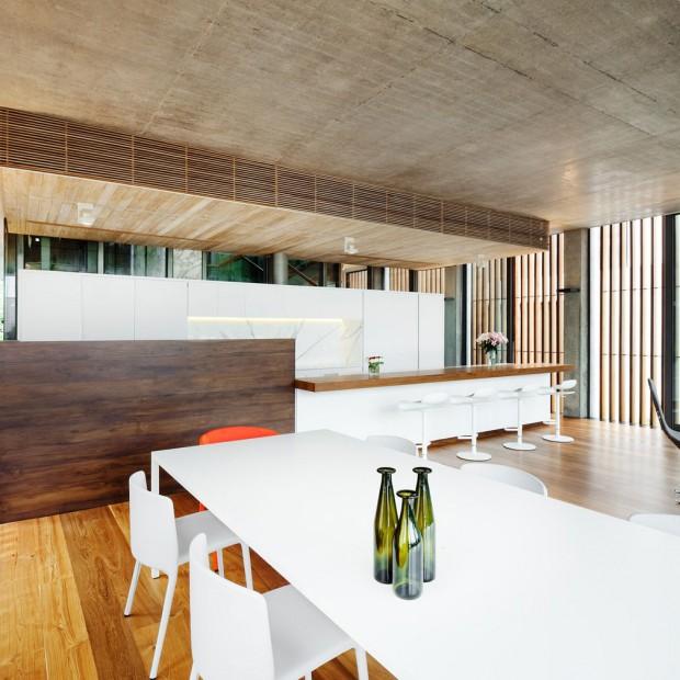 Kuchnia w drewnianym domu. Najciekawsze pomysły projektantów