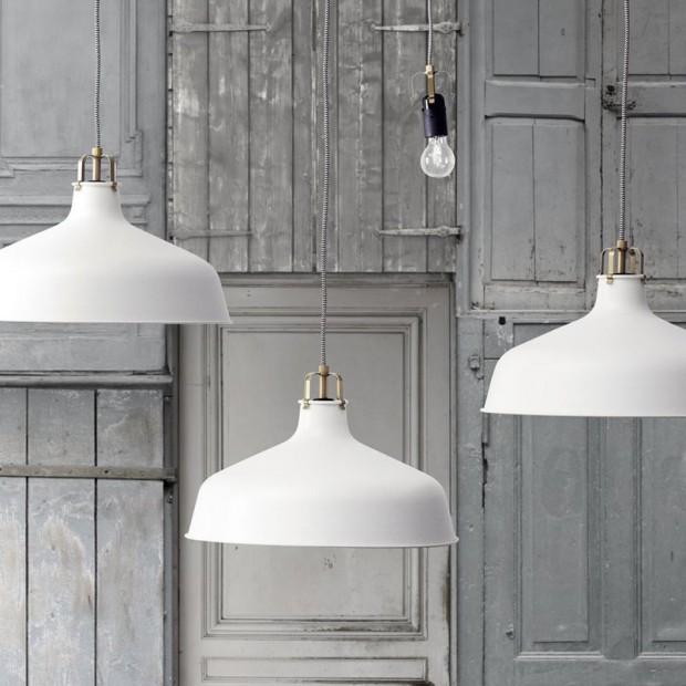 Oświetlenie sypialni: lampy sufitowe - aranżacje, inspiracje