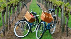 Zachęcamy do odświeżenia rowerów i podpowiadamy jak zaplanować wolny czas oraz co ze sobą zabrać, by spędzić przyjemny weekend w plenerze.