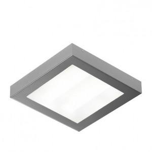 Oprawa oświetleniowa Satina w kolorze srebra posiadająca klasę szczelności IP44.