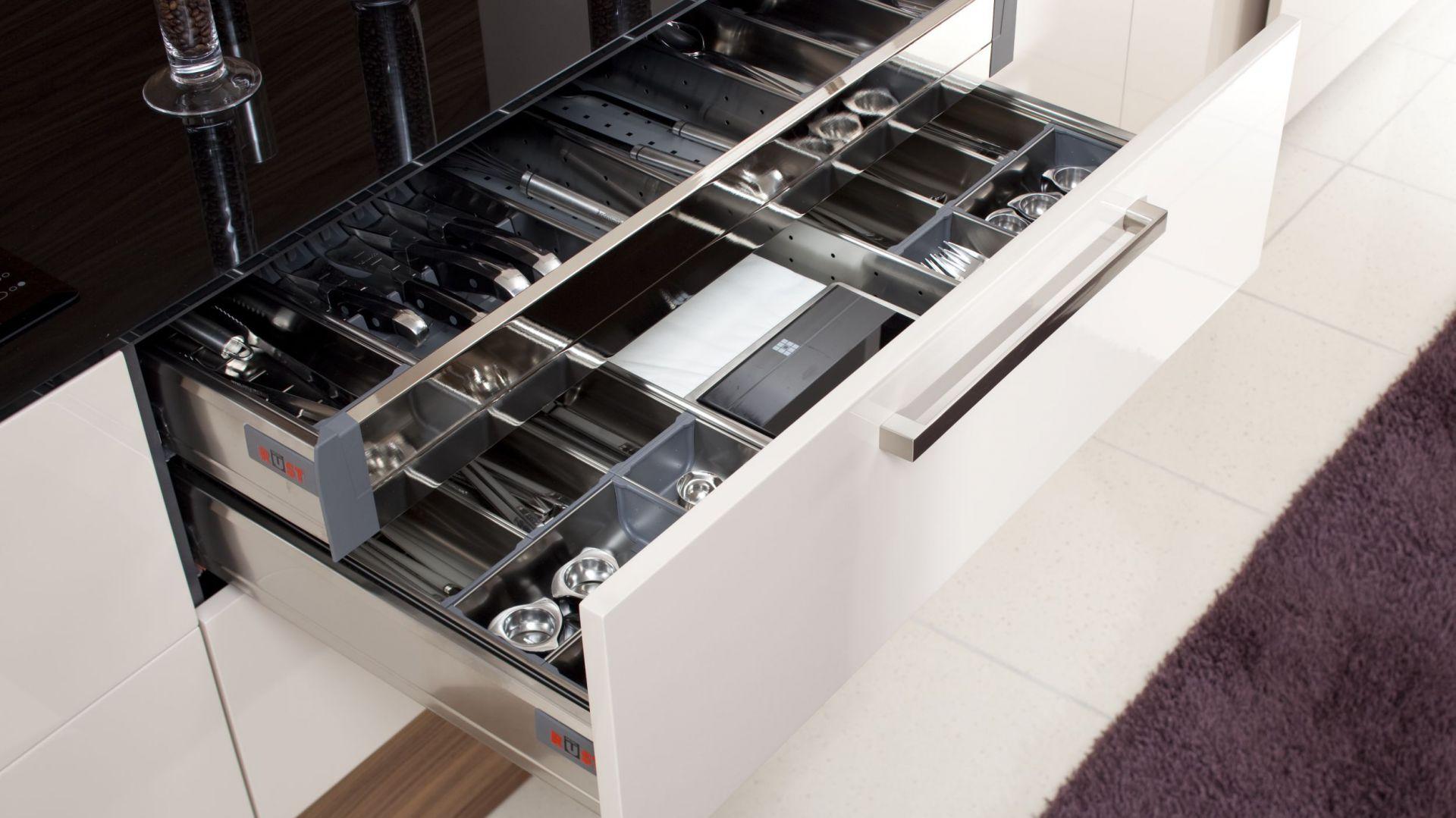 Przechowywanie W Kuchni Szafki Półki Szuflady 15