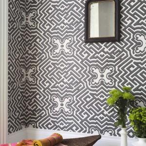 Geometryczna tapeta brytyjskiej marki Cole and Son. Fot. Cole & Son/Impresje Home Collection.