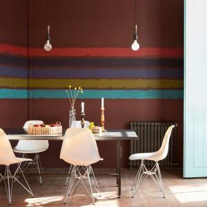Lateksowa emulsja Dulux Fusion do malowania ścian i sufitów, przeznaczona do systemu barwienia farb – Colour Mixing System. Zoptymalizowany poziom koncentracji pigmentów zapewnia dobre krycie, przy jednoczesnej odporności na zmywanie i trwałości kolorów. Wykończenie: Matt i Satin. Wydajność: do 16-18 m²/l. Ok. 45 zł/l, Dulux.