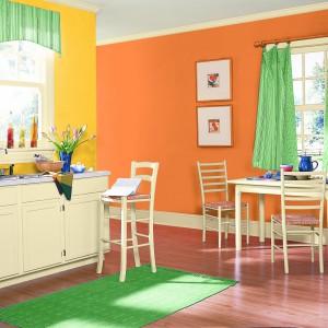 Kolekcja matowych farb Nobiles Pory Roku dostępna w innowacyjnych kolorach. Przeznaczona do dekoracyjnego malowania ścian i sufitów wewnątrz pomieszczeń. Tworzy powłoki charakteryzujące się dobrym kryciem, trwałością i czystością barw oraz odpornością na zmywanie. Wydajność: do 10 m²/l. Ok. 45 zł/2,5 l, 84 zł/5 l, Nobiles.
