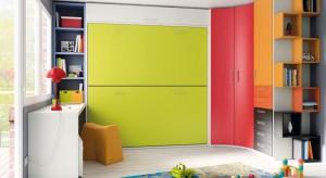 Szafa w pokoju dziecka jest meblem ważnym, choć docenianym głównie w wieku nastoletnim. Oprócz ważnej funkcji przechowywania powinna rozweselać pokój malucha za pomocą radosnych kolorów. W pokoju młodzie�