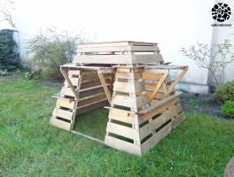 (B)Azyl to bezpieczny azyl :) Jest to drewniana zabawka ogrodowa dla dzieci. W zależności od użytego materiału wierzchniego, można z niego tworzyć różnego rodzaju schowki.  Tutaj: (B)Azyl - stelaż.