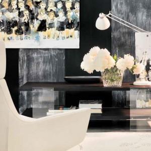 Na czarno białym tle znakomicie prezentują się dekoracyjne dodatki. Fot. Marchetti.