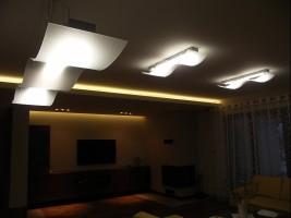 Dom w Końskich - oświetlenie.