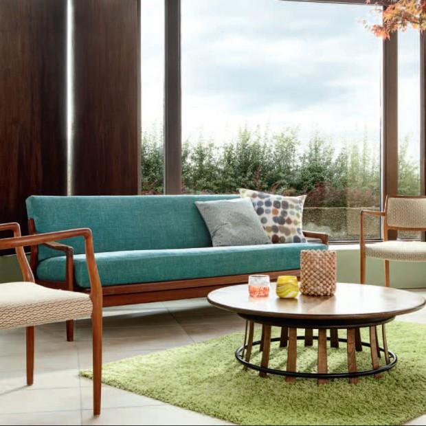 Postaw na zieleń w salonie: tkaniny, dekoracje, meble