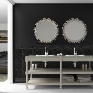 """""""Liryczna czerń"""" to propozycja firmy Aparici na łazienkę z kolekcji Lyric. Wymiary: 29,75x89,46. Fot. Aparici."""