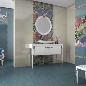 Kwiatowy wzór pochodzi z kolekcji Cotto firmy La Aranda Alcorense. Kafelki są o wymiarach 75x50. Fot.  La Aranda Alcorense.