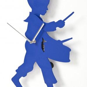 Zegar-chłopiec, nie tylko do pokoju dziecięcego. Fot. Kare Design.