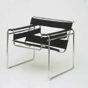 Krzesło Wassily Chair projektu Marcela Breuera. Fot. Knoll.