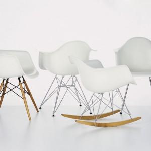 Krzesła i fotele z linii DAW to meble, które zyskały status kultowych. Projekt Charles i Ray Eames. Fot. Vitra.
