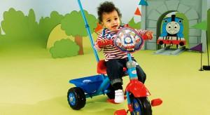 Dzień Dziecka coraz bliżej. Czas więc najwyższy zastanowić się nad podarkiem dla swojej pociechy. Prezentujemy zatem zabawki, które sprawdzą się w domu, jak i na świeżym powietrzu.