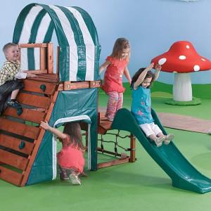Mini plac zabaw zorganizowany w jednym domku. Fot. Woolworths.