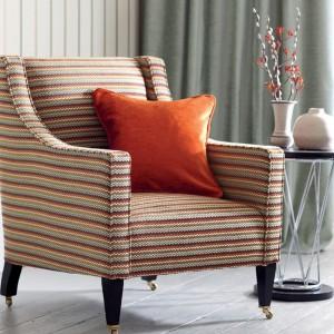Pasiasta tapicerka potęguje wrażenie przytulności. Fot. Romo.