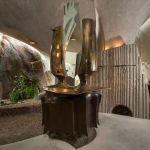 Wrażenia jak z prawdziwej jaskini gwarantowane! Fot. Organicmodernestate.com, TKK Represents.